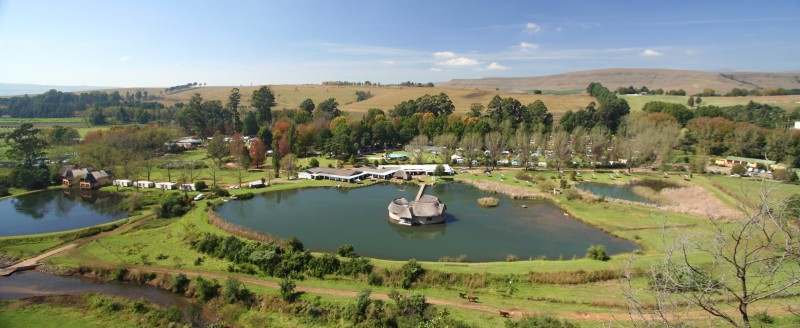Drakensberg holiday accommodation. Some of South Africa's finest.. Dragon Peaks Resort