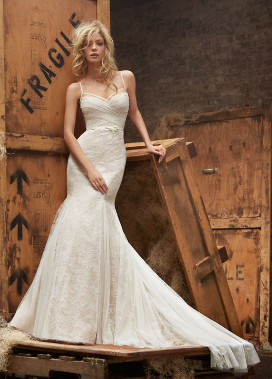 hayley-paige-bridal-lace-fit-to-flare-lingerie-strap-english-net-ruched-godets-bow-natural-waist-chapel-6404_zm