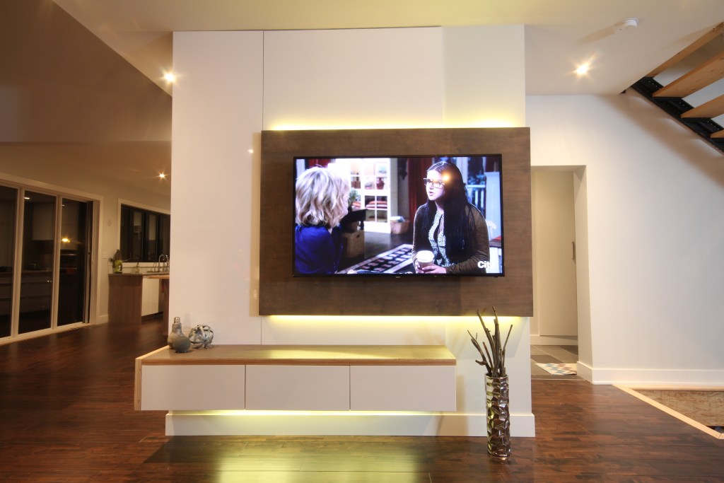 Dreamhouse Project DIY media wall LED lights