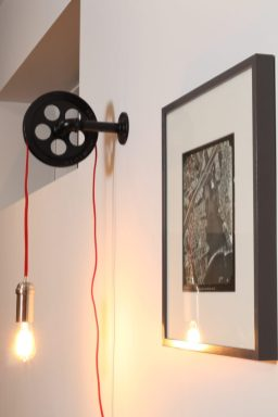 Dreamhouse Project - DIY rustic pullley wall sconce