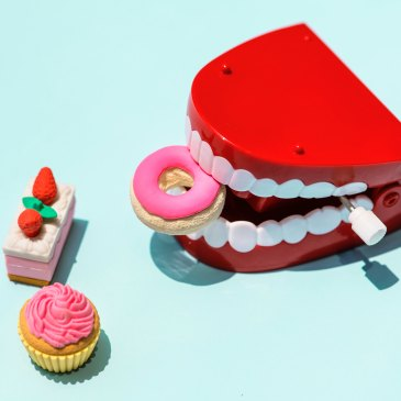 False teeth eating fake junk food, for meaning of dreams of teeth falling out