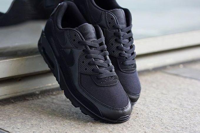 Nike Air Max 90 Triple Black CN8490-003