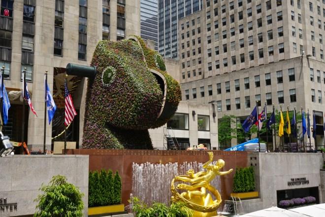 "Jeff Koons' ""Split-Rocker"" Sculpture Has Extended its Display"