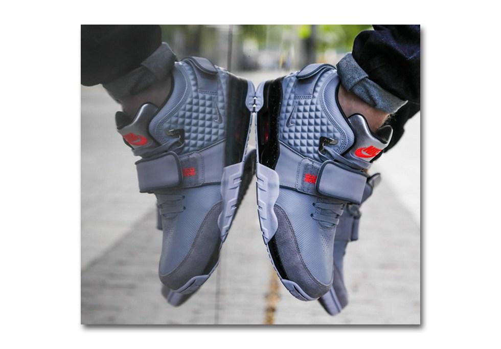Foot Locker, Victor Cruz, Nike Air Cruz
