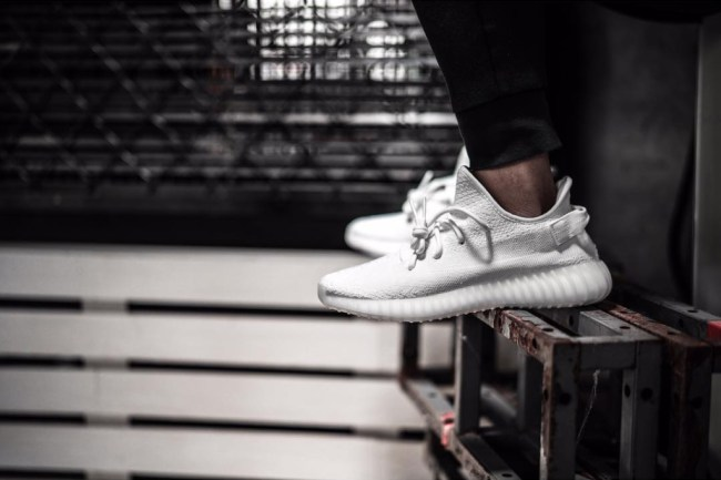 adidas YEEZY BOOST 350 V2 Triple White Pictures