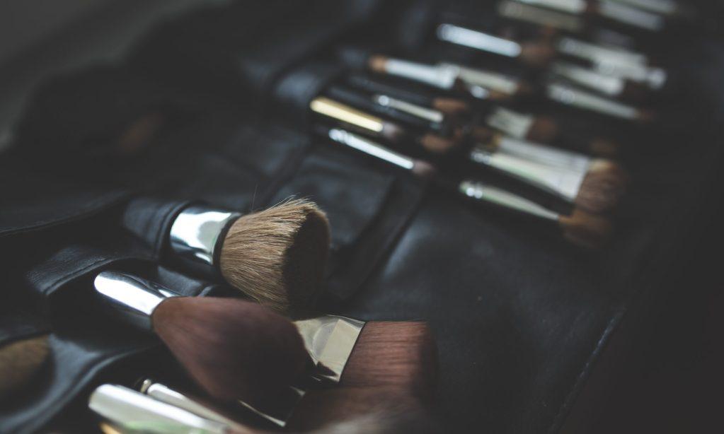 cropped-brush-makeup-make-up-brushes.jpg