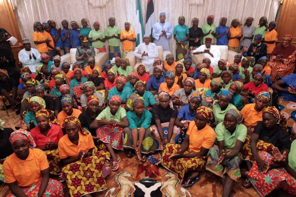 PIC.18.-PRESIDENT-BUHARI-RECEIVES-RELEASED-82-CHIBOK-SCHOOL-GIRLS-IN-ABUJA.jpg?fit=1024%2C683