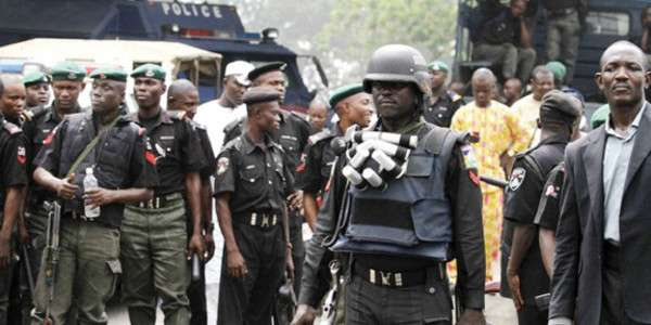 Robbery: Police Nab 5 Suspects