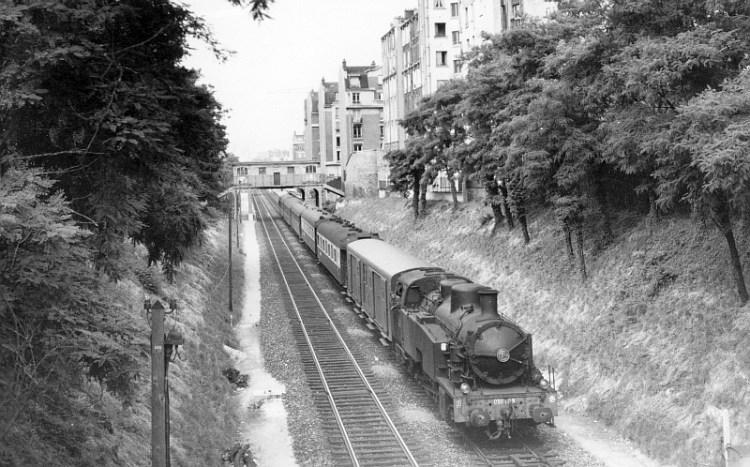 train_de_jonction_locomotive_050tq_annees_cinquante_800px_72dpi