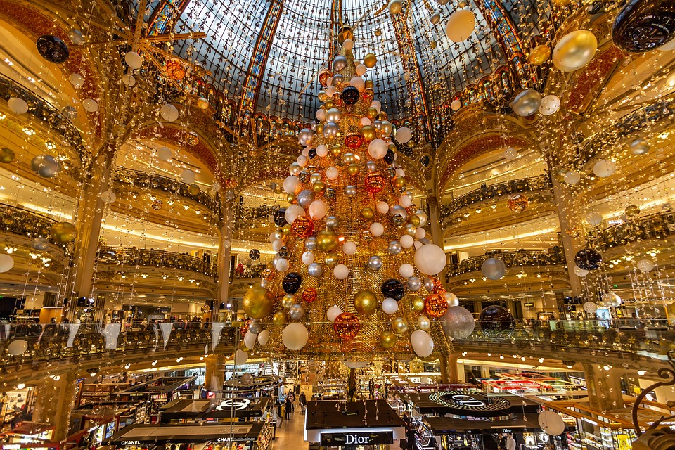 The Earful Tower's 20 Days of Christmas... in 20 Paris arrondissements