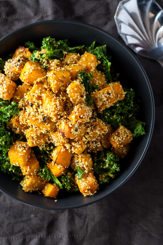 Crunchy coated pumpkin with sesame seeds and spices, gluten free and full of fiber.