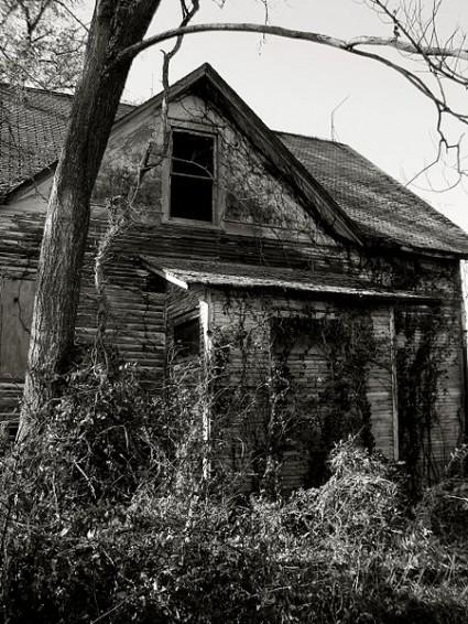 Abandoned_House - Photo by Daniel Leininger