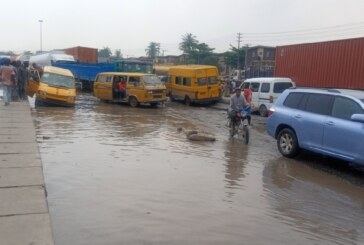Failed portion at the Mile 2 end of the Oshodi-Mile 2 expressway.