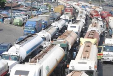 Apapa gridlock: Maritime workers threaten strike