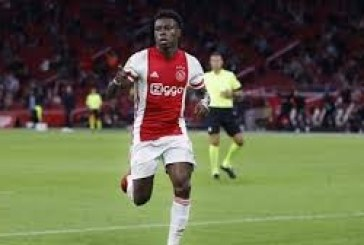 Ajax's Promes arrested in connection with stabbing