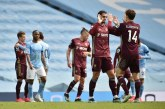 10-Man Leeds beat Manchester City 2-1