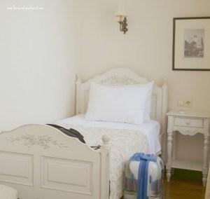 twin bed, Sari Konak Hotel in Istanbul, www.theeducationaltourist.com