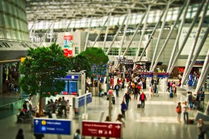 busy airport, Flight delays, www.theeducationaltourist.com