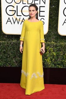 hbz-the-list-golden-globes-best-dressed-natalie-portman