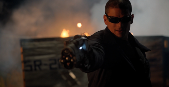 snart_aims_the_cold_gun_at_barry-cw-captain-cold-780x405