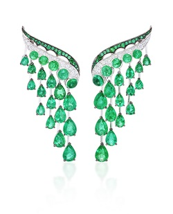 Vanleles emerald earrings