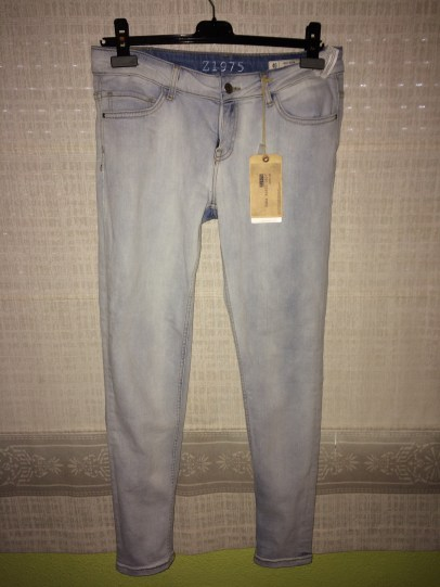 Zara kinny blue jeans