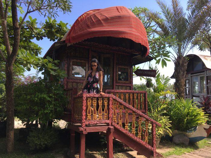 gypsy wagon la laguna restaurant Bali tarot