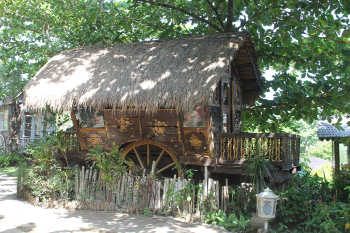 la laguna restuarant gypsy wagon