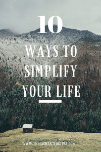 Tips to help you create that simple lifestyle you desire! 10 Ways To Simplify Your Life Right Now!