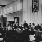 Flickr_-_Government_Press_Office_(GPO)_-_David_Ben_Gurion_reading_the_Declaration_of_Independence