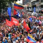 velezuelan_people_support_maduro_against_coup.jpeg_1718483346