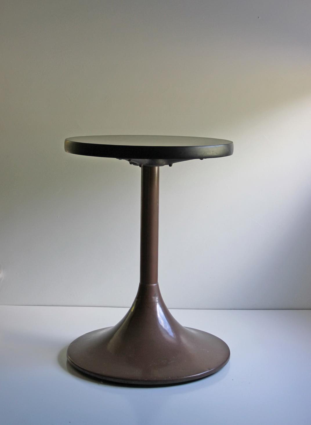Dawson Pedestal Side Table
