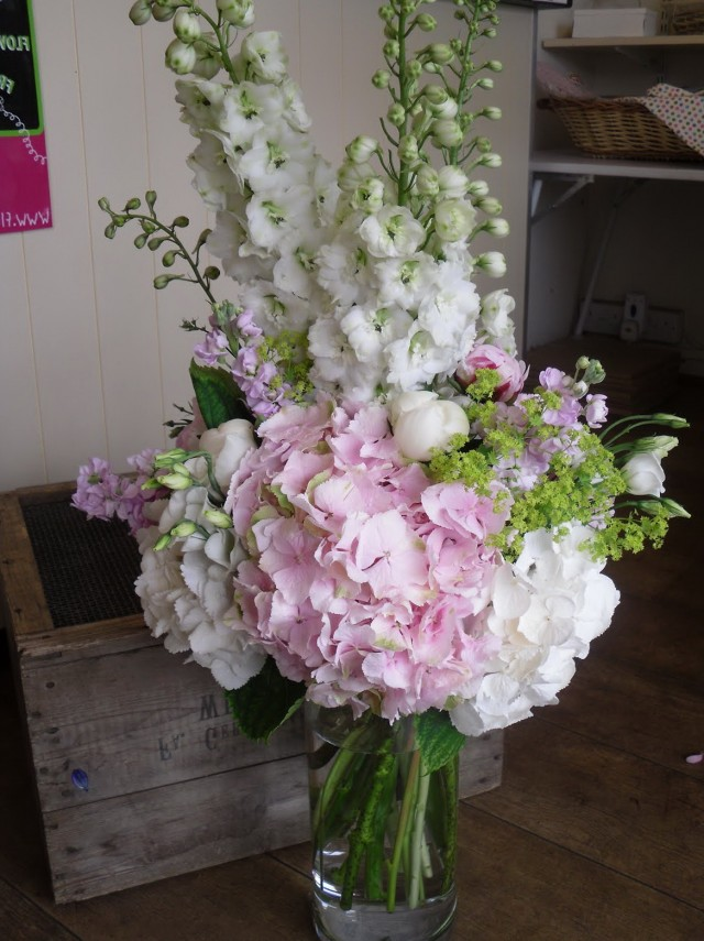 Large Glass Vase Flower Arrangements