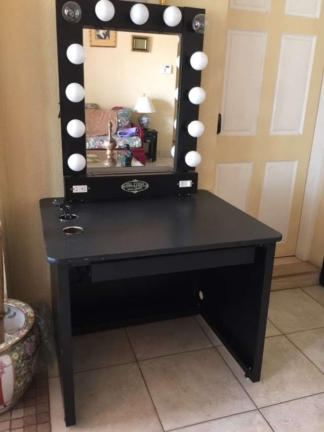 Lighted Vanity Mirror Table