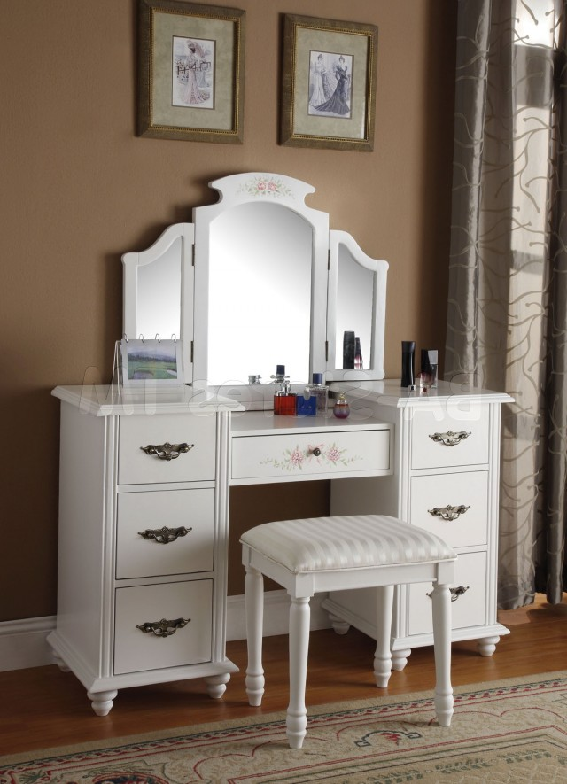 Mirrored Vanity Table Set