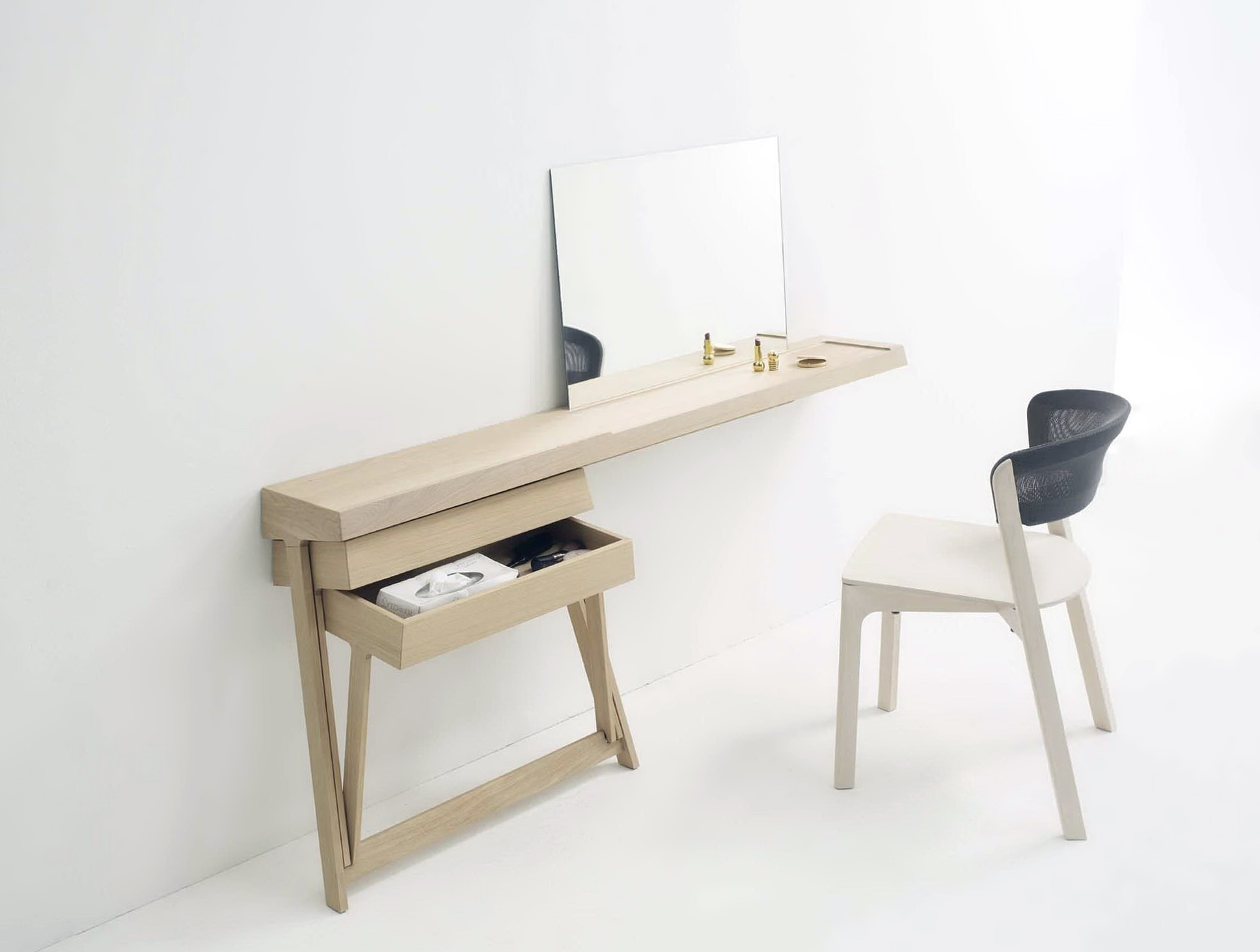 Dressing Table With Mirror On Wall