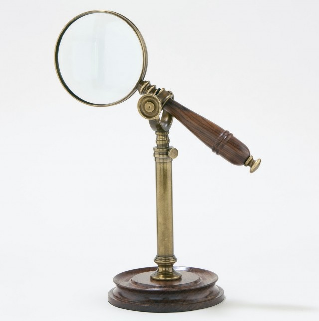 Magnifying Mirror With Light On Stand