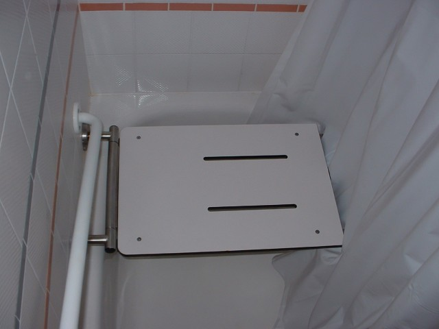 Bathtub Transfer Bench Video
