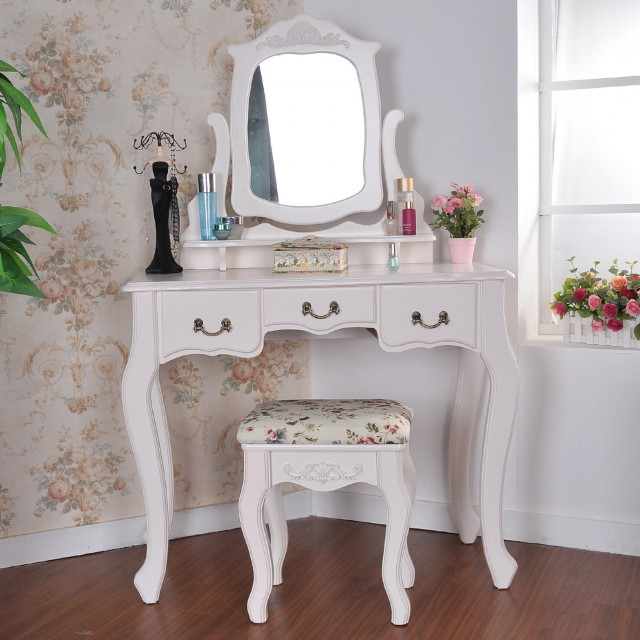 Makeup Vanity Mirror Ideas