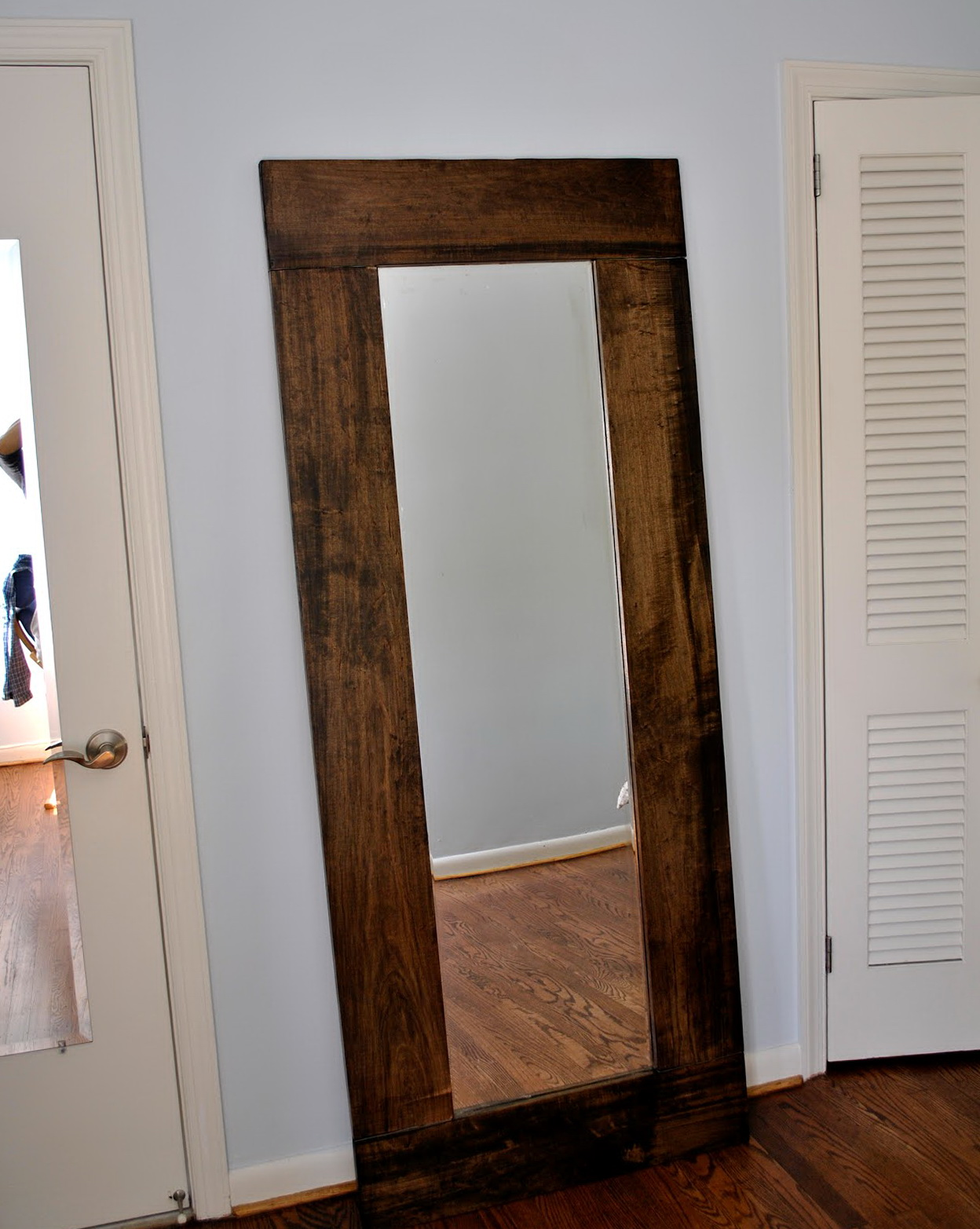 Stand Up Mirrors For Bedroom