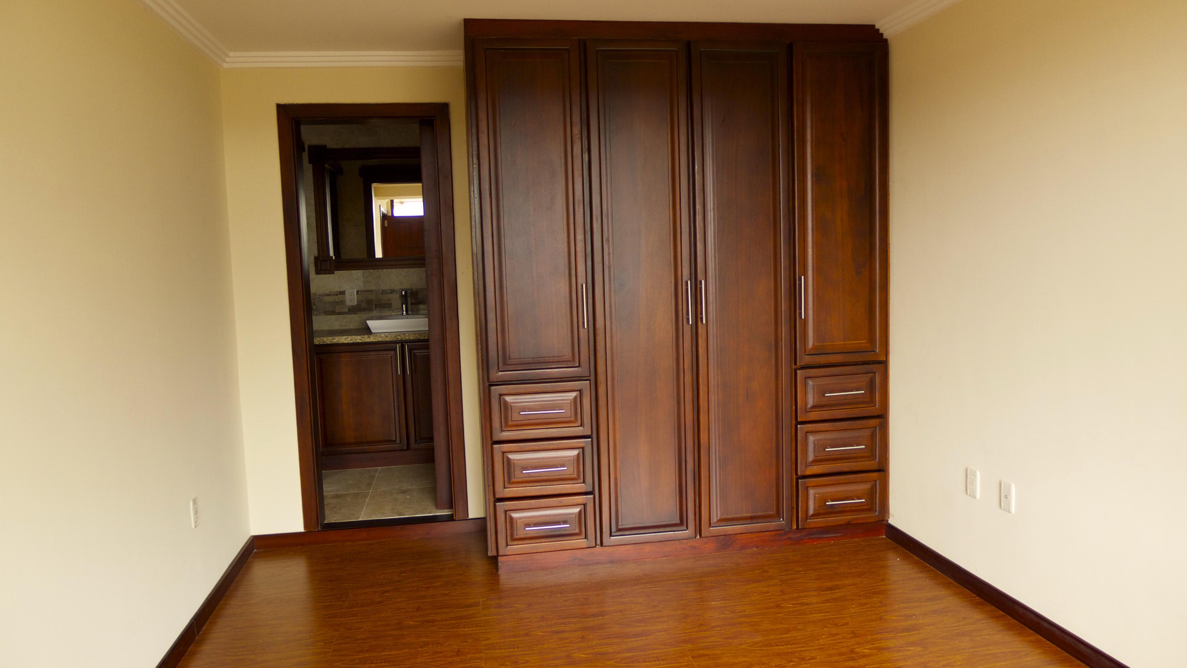 Built In Closets In Bedroom