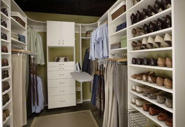 Custom Shoe Closet Design