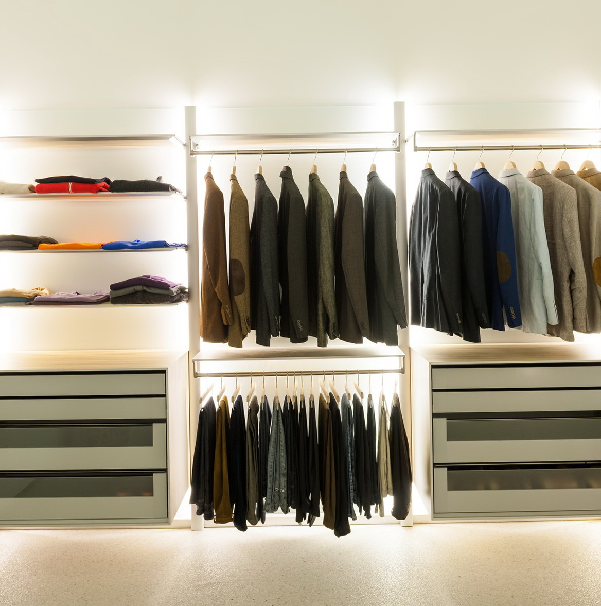 Hanging Closet Organizer With Drawers