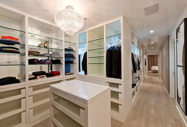 Walk In Closet Organization Tips