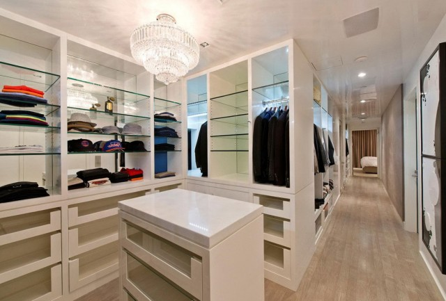 Walk In Closet Organizing Ideas