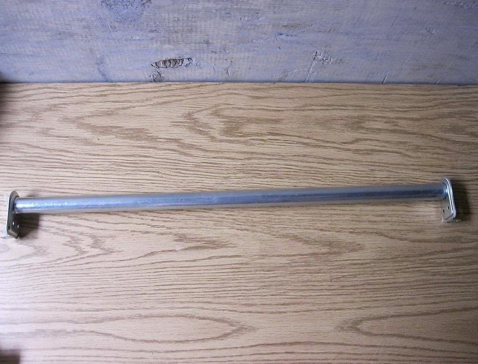 Adjustable Closet Rod Hanger