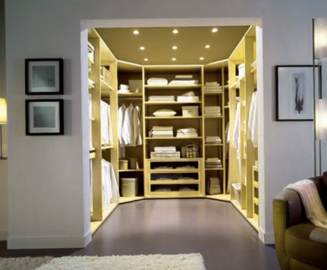 Closet Design For Small Room