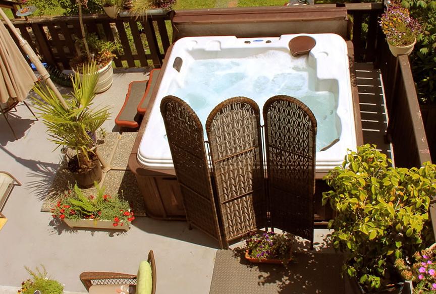 Hot Tub On Upper Deck
