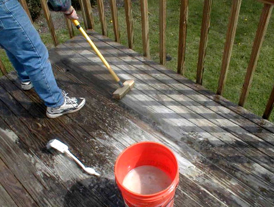 Pressure Wash Deck Bleach