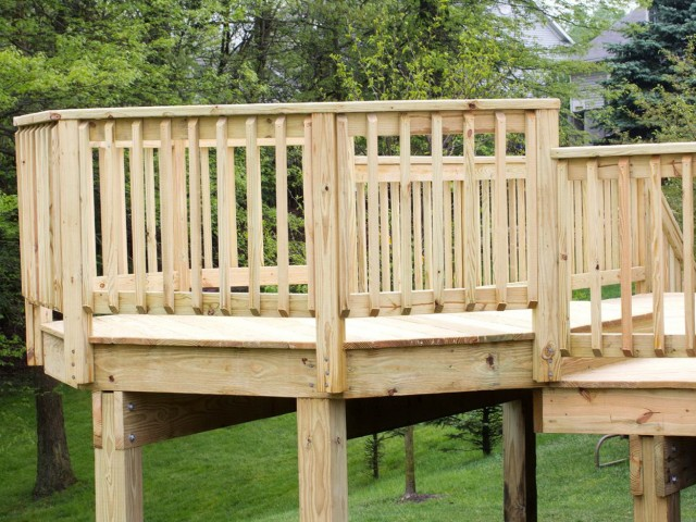 Standard Deck Rail Height